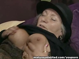 Mature lady momm gets fuck in ass