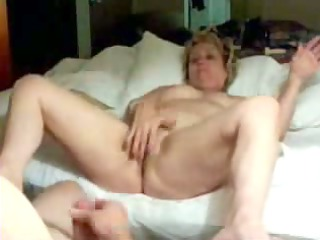 Old wife masturbating