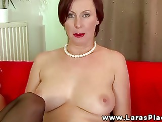 Mature babe filling pussy with strapon and cant