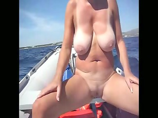 Amateur Beach Voyeur Huge Tits WIFE