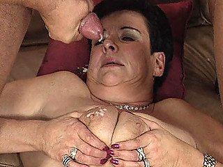 Old mom in threesome