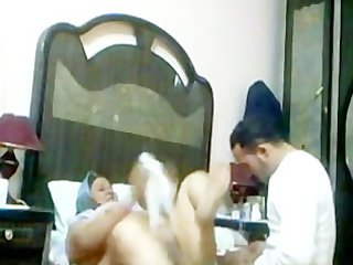 mature arab woman gets a quickie