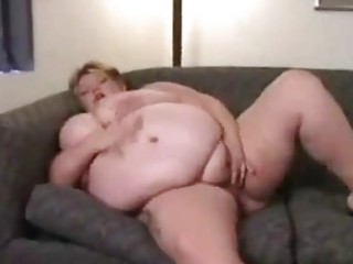 Fat house wife masturbates alone