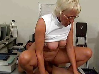 Old but horny busty mom