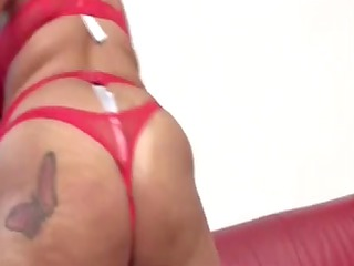 Mother Id Like To Fuck in red nylons