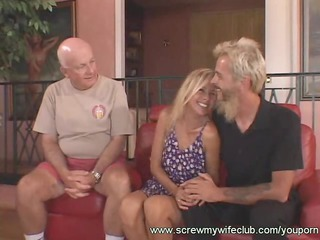 Sweet Hubby Supported his Wife while being Screwed
