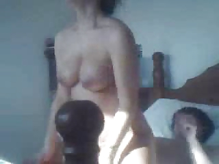 amateurs fucking in moms bed