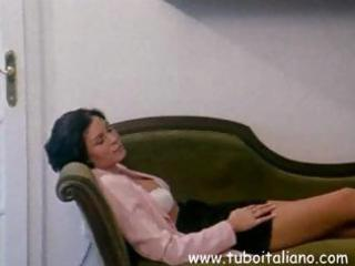 Italian brunette wife gets her pussy licked and