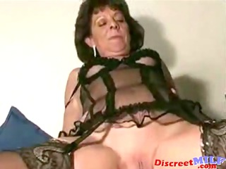 Shaved Mature MILF Creampie
