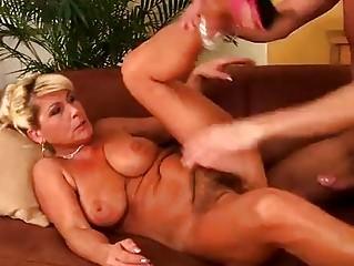 Horny mature Berna loves to fuck