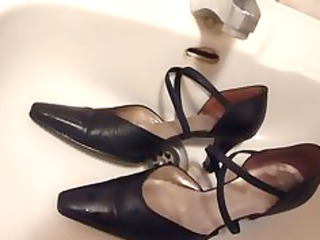Cumming on wifes black leather strap high heels