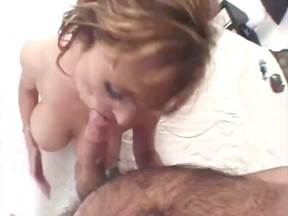 Nice french mature woman sucks and give her cunt