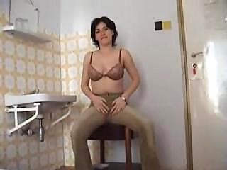 Mature Amateur Mom Sexing Younger