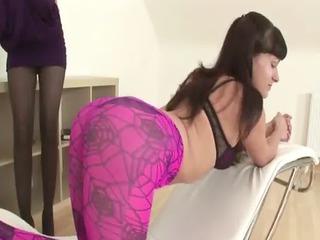 Lady sonia gets rough on naked slut