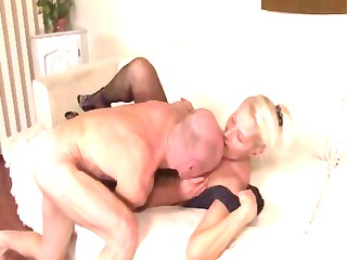 Mature blonde toys herself and then gets licked