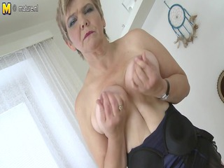 Hot old granny playing with her old wet crack