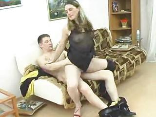 Mature hottie takes fat young cock into cunt