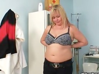 Thick mom with big natural tits gets part4